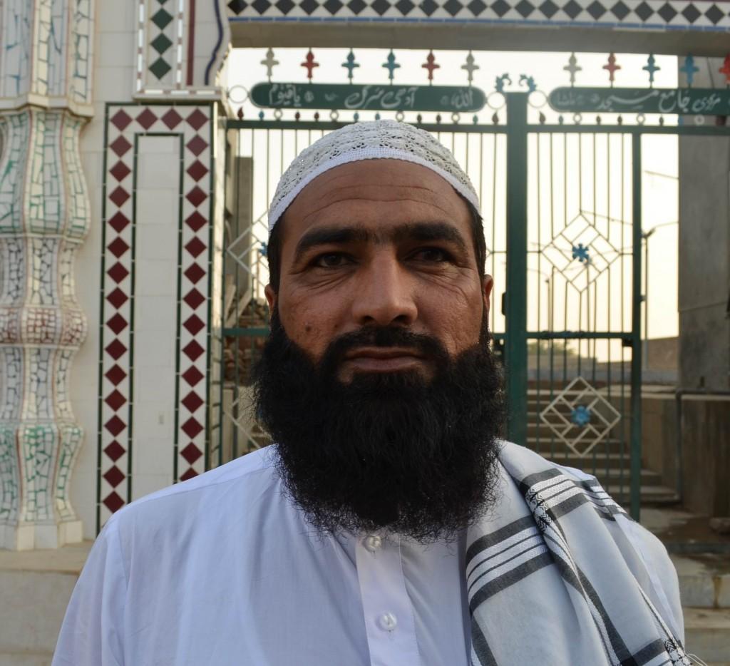 Habib ur Rehman-Adhi Sargal
