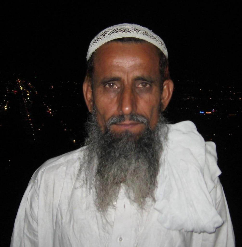 Abdul Rehman - Adhi Sargal (Karachi)
