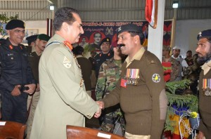 Sub. Aatif Malik Bourana Shaking Hand with Army Chief Gen. Raheel Shareef